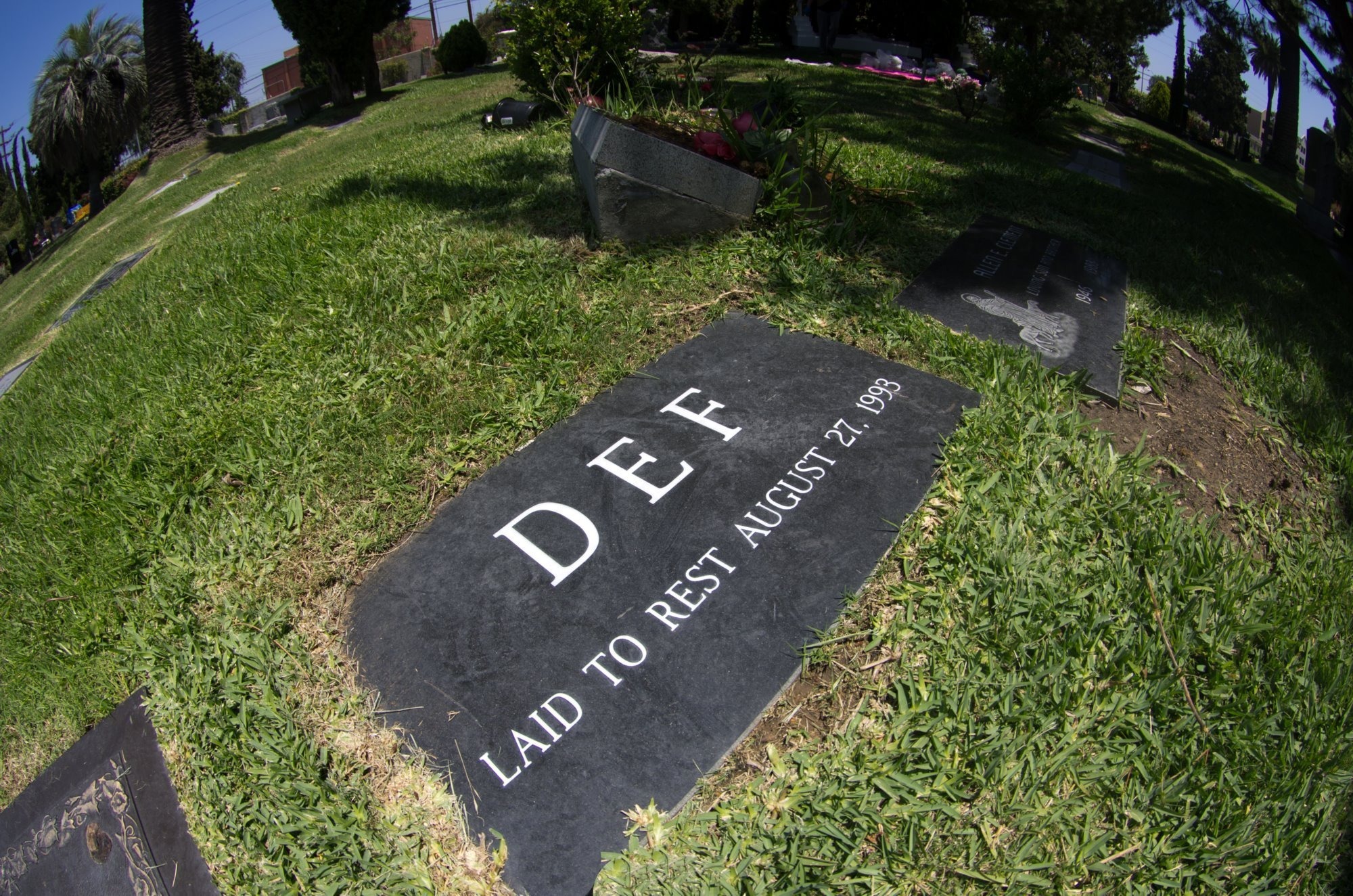 Tupac Shakur Grave
