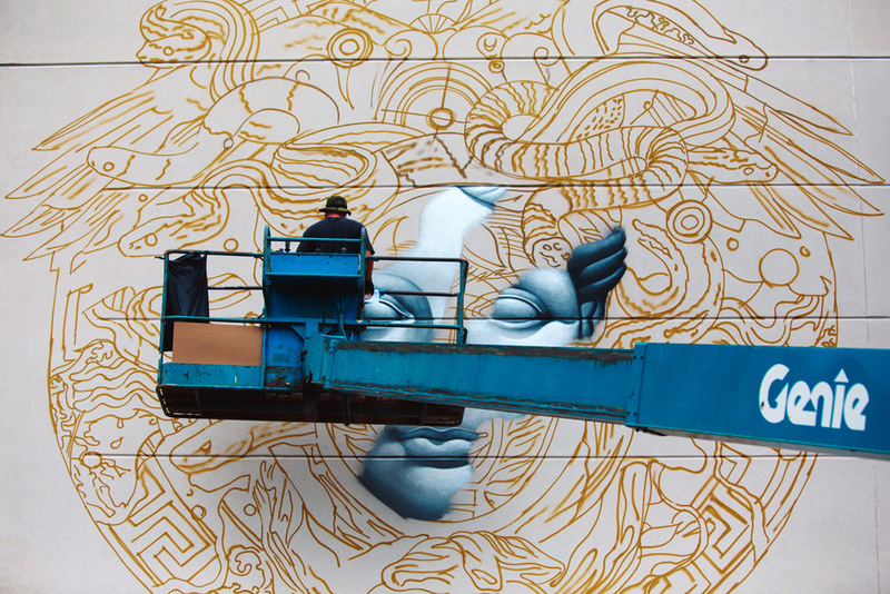 088-pow-wow-hawaii-x-versace-mural-by-tristan-eaton-03