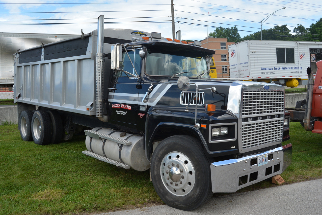 Vt135ma further Watch besides 5656056974 in addition 6304332151 as well Copy Of Peterbilt 367 W Tri Axle Lowboy Trailer Whblack 2. on mack dump truck trailer