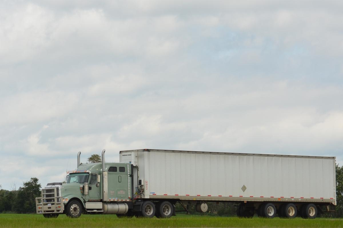 Trucking Jobs Calgary >> Truckin' Alberta - Hwy 2 rest area, pt. 4