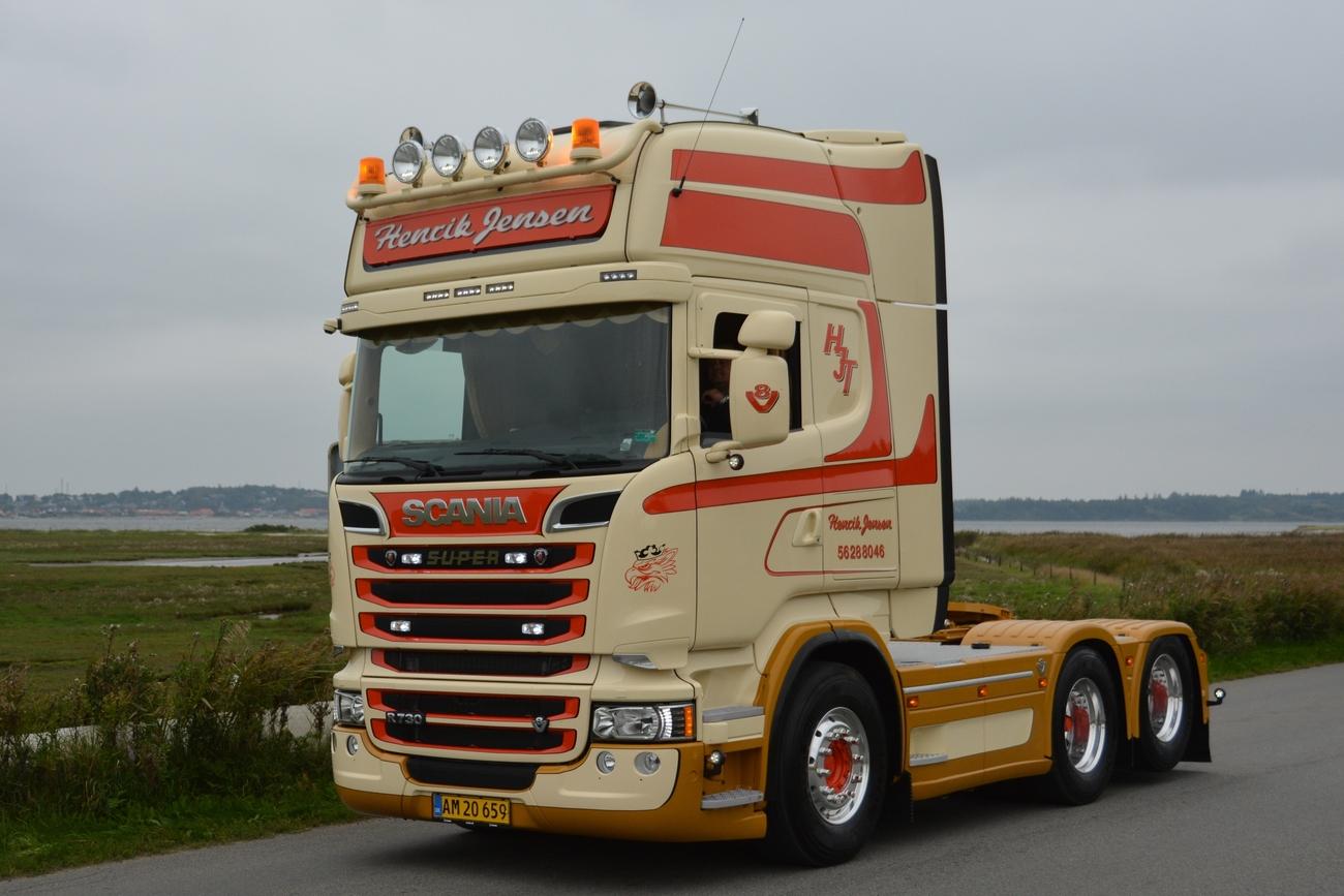 Jesperhus truck show 2014 - trucks leaving, pt. 5