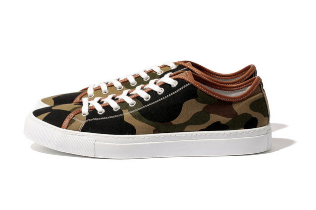 388-mr-bathing-ape-2013-fall-winter-1st-camo-sneaker-01
