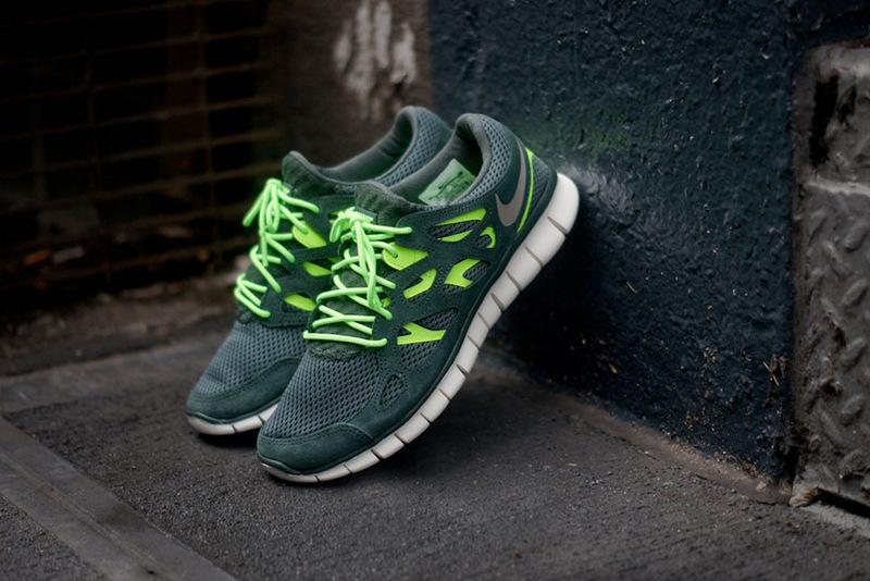 494-nike-free-run-2-vintage-green-1