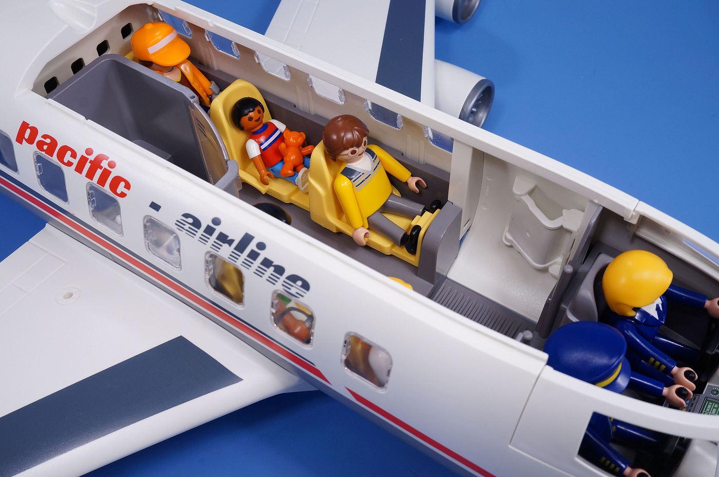 Playmobil Jumbo Jet Aeroplane Extra Figures Airport