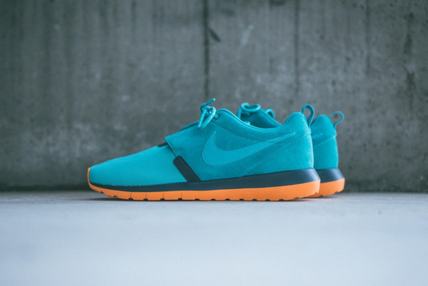 018-nike-roshe-run-nm-dusty-cactus-spruce-blue-0