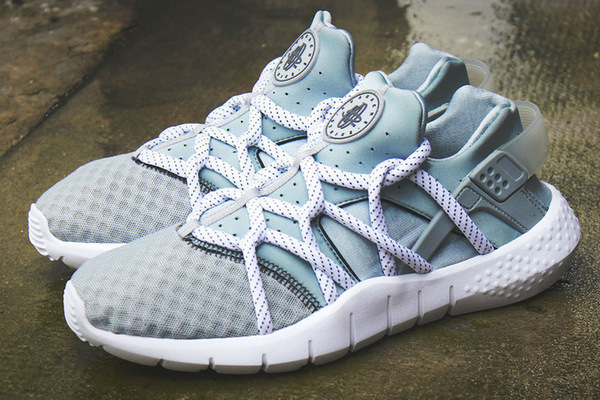 396-a-first-look-at-the-nike-air-huarache-2015-0