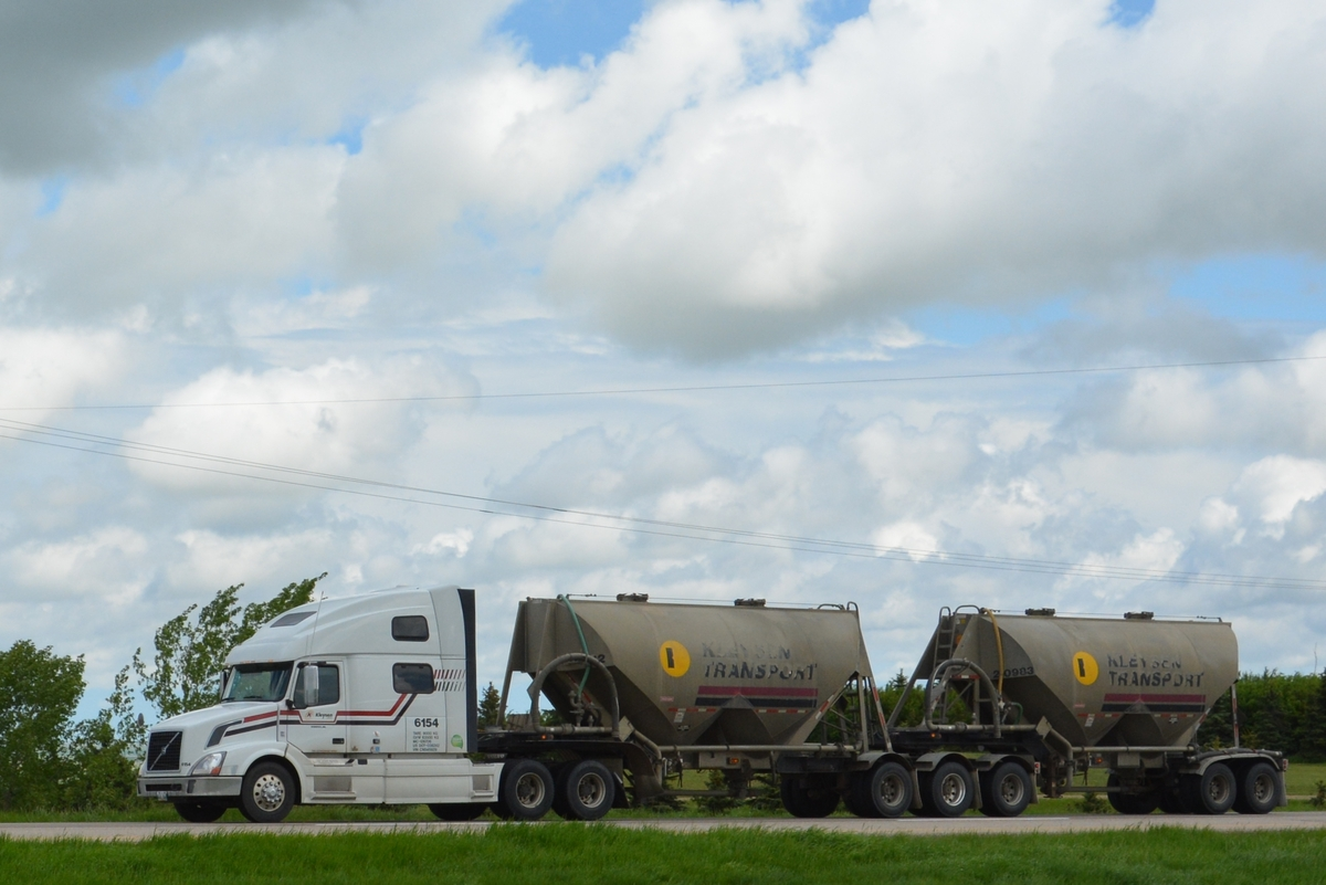 Trucking Jobs Calgary >> Medicine Hat to Regina, pt. 11