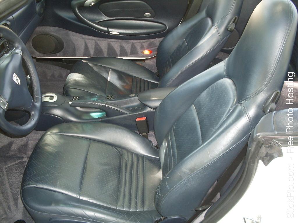 2000 PORSCHE CAB 037