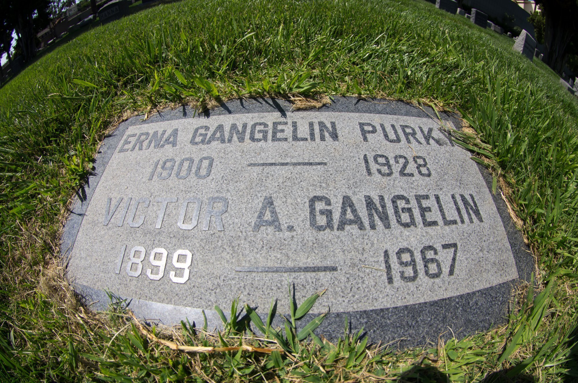 Celebrities Graves Page 47