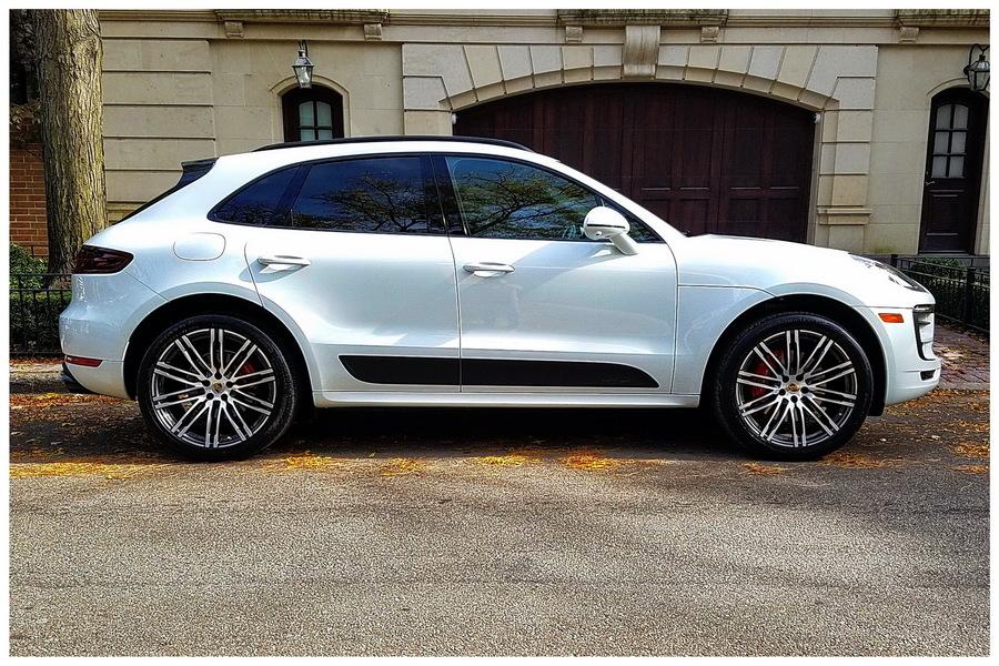 Porsche macan gts white