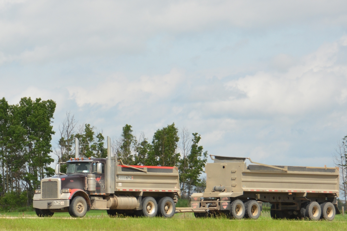 Trucking Jobs Calgary >> Truckin' Alberta - Hwy 2 rest area, pt. 6