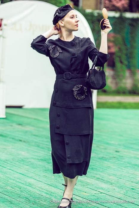 МОСКВА, РОССИЯ - Ретро-фестиваль Дни Истории в саду Эрмитаж. Москва, 26 мая 2013