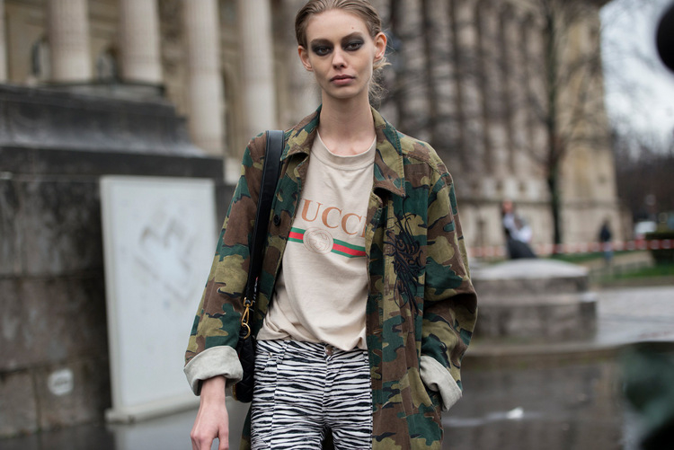 186-streetsnaps-paris-fashion-week-march-2017-part-2-13