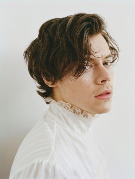 290-Harry-Styles-2017-Rolling-Stone-Photo-Shoot-002