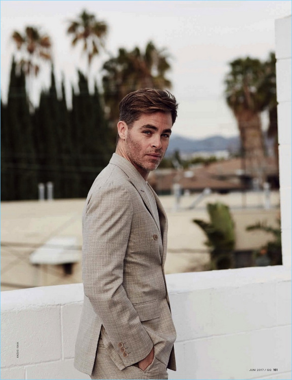 360-Chris-Pine-2017-GQ-Germany-Photo-Shoot-003