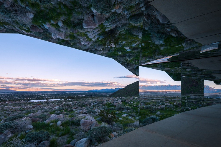 390-doug-aitken-mirage-mirrored-sculpture-cabin-palm-springs-california-6
