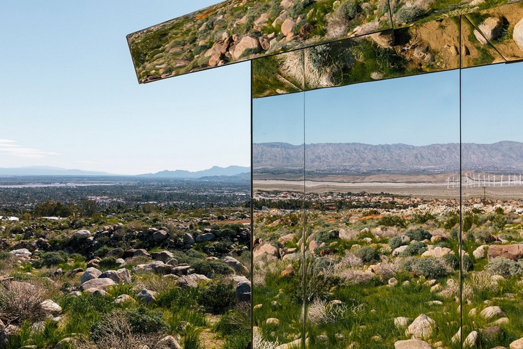 389-doug-aitken-mirage-mirrored-sculpture-cabin-palm-springs-california-3