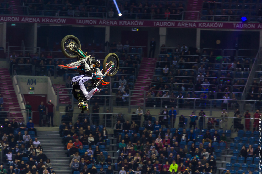 krakow_nightofjumps_003