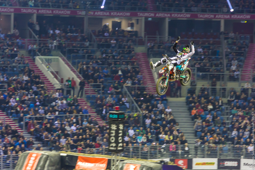 krakow_nightofjumps_004