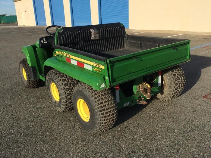 John Deere Gator TH 6x4