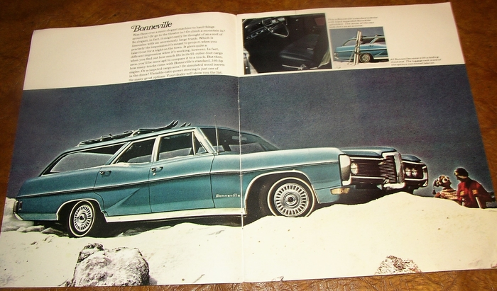 1968 Pontiac 16-page Station Wagon Car Brochure Bonneville Catalina Tempest