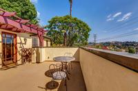 4415 Ellenwood Dr Los Angeles-large-009-30-HarAli0002Upload25-1500x1000-72dpi