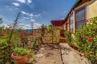 4415 Ellenwood Dr Los Angeles-large-008-23-HarAli0002Upload22-1500x1000-72dpi