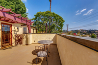 4415 Ellenwood Dr Los Angeles-large-009-30-HarAli0002Upload25-1500x1000-72dpi