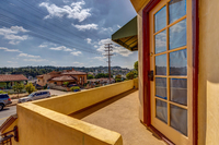 4415 Ellenwood Dr Los Angeles-large-005-15-HarAli0002Upload30-1500x1000-72dpi