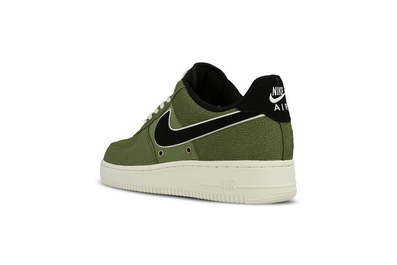 100-nike-air-force-1-07-lv8-crocskin-8