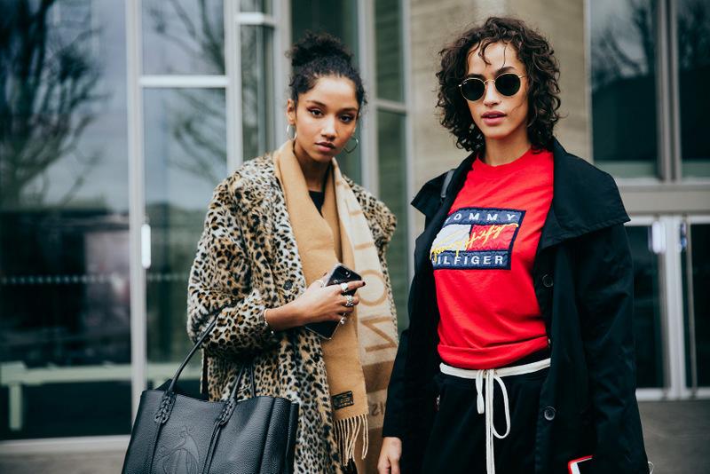 194-streetsnaps-london-fashion-week-february-2017-cris-fragkou12