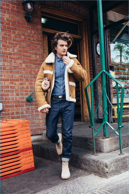 381-Joe-Keery-2017-GQ-Photo-Shoot-008