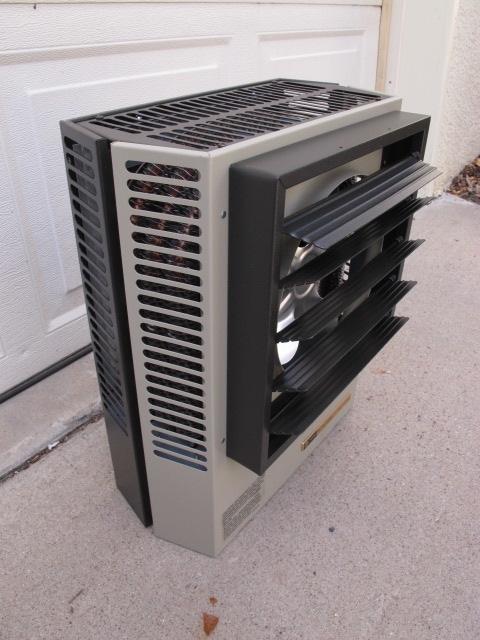 trane unit heater. you are bidding on a trane uhec-033daca electric unit heater - 480v, 3 phase. 11,200 btu/hr; new in box $225